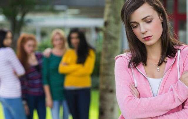Как низкий самоконтроль приводит к одиночеству